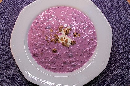 Rotkohl-Walnuss-Suppe (Bild)