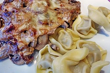 Putenschnitzel mit Champignonkruste überbacken 23