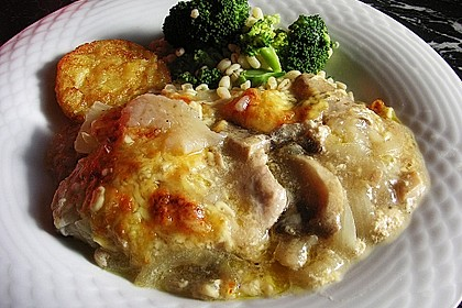 Putenschnitzel mit Champignonkruste überbacken