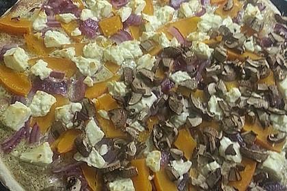 Kürbis - Flammkuchen mit Zwiebeln und Feta 10