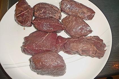 Roros delikate Antilopensteaks mit fruchtiger Granatapfelsauce, Pommes Williams und Mischgemüse 6