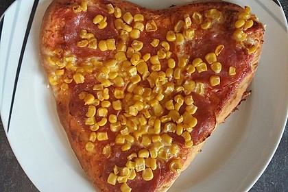 Marinas Pizzateig mit Backpulver 30