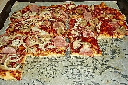 Marinas Pizzateig mit Backpulver 34