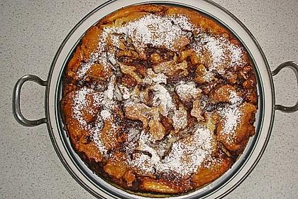 Cinnamon Roll Cheesecake 22