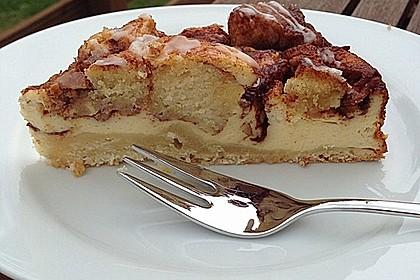 Cinnamon Roll Cheesecake 4