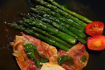 Gegrillter grüner Spargel mit Saltimbocca 1