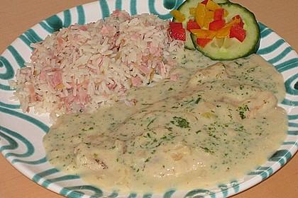 Putenschnitzel in Kräuterrahmsauce