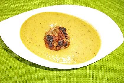 Zucchinicremesuppe mit Hackbällchen (ohne Kohlenhydrate) 8