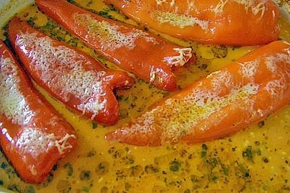 Überbackene Spitzpaprika mit Käsefüllung 45