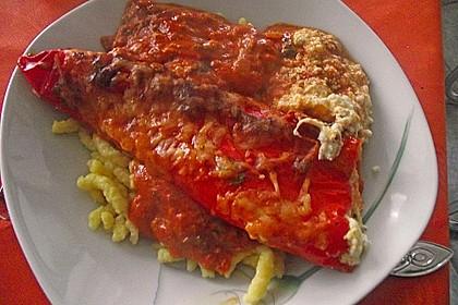 Überbackene Spitzpaprika mit Käsefüllung 46