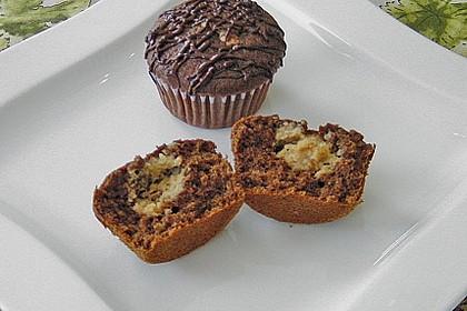Schokoladen - Muffins mit Erdnussbutterkern 9