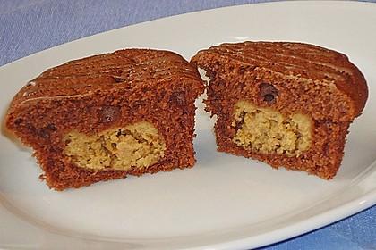 Schokoladen - Muffins mit Erdnussbutterkern 10