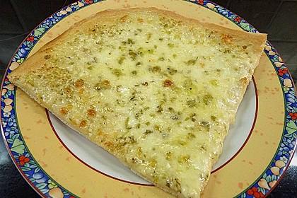 Roros geniale und weltbeste Knoblauchpizza 12