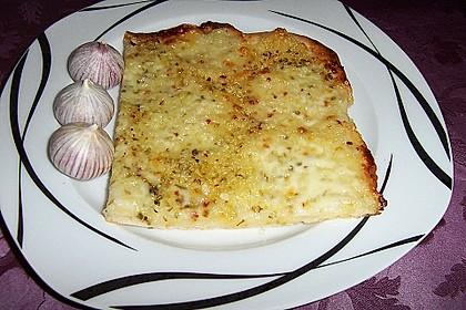 Roros geniale und weltbeste Knoblauchpizza 19