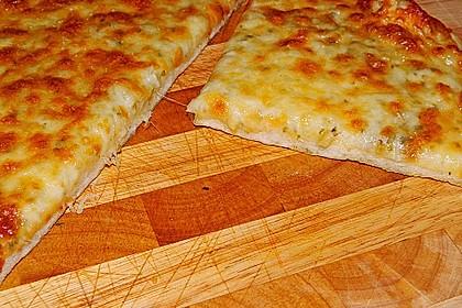 Roros geniale und weltbeste Knoblauchpizza 2