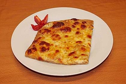 Roros geniale und weltbeste Knoblauchpizza 17
