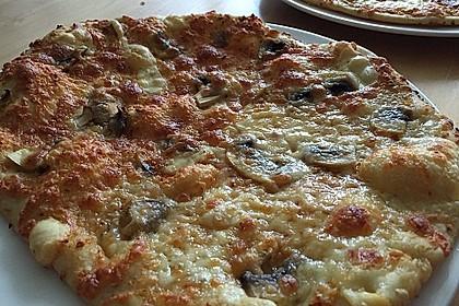 Roros geniale und weltbeste Knoblauchpizza 29