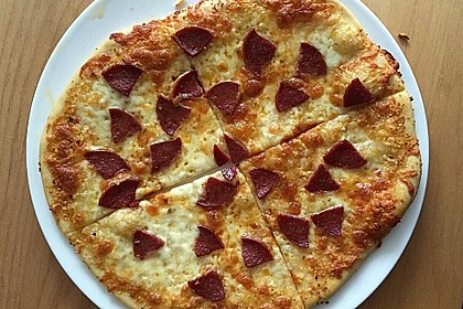 Roros geniale und weltbeste Knoblauchpizza 23