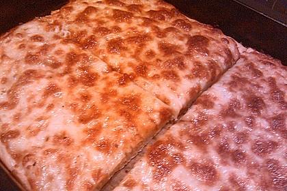 Roros geniale und weltbeste Knoblauchpizza 26