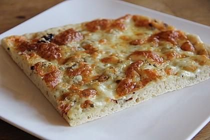 Roros geniale und weltbeste Knoblauchpizza 4