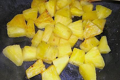 Süßkartoffelcurry mit karamellisierter Ananas 25