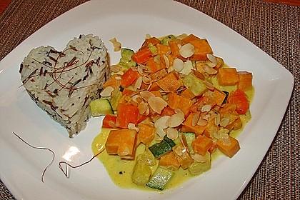 Süßkartoffelcurry mit karamellisierter Ananas 1