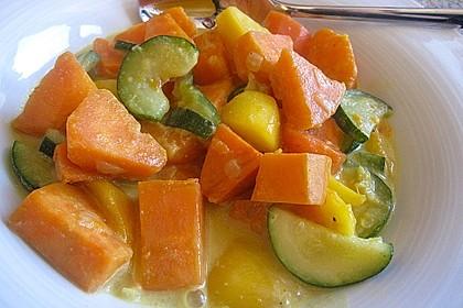 Süßkartoffelcurry mit karamellisierter Ananas 9