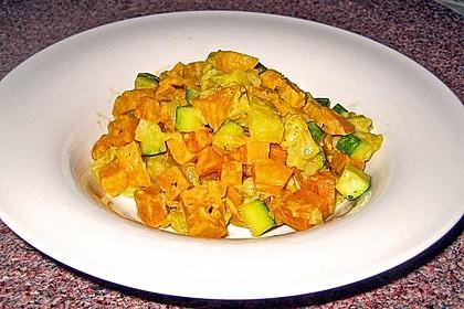 Süßkartoffelcurry mit karamellisierter Ananas 14