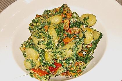 Gnocchi mit Kürbis, Spinat und Ziegenfrischkäse (Bild)