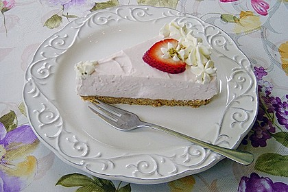 Erdbeer - Torte mit Knusperboden 2