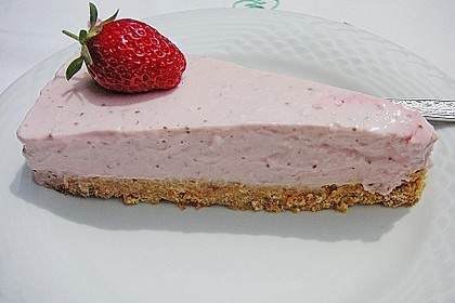 Erdbeer - Torte mit Knusperboden 3