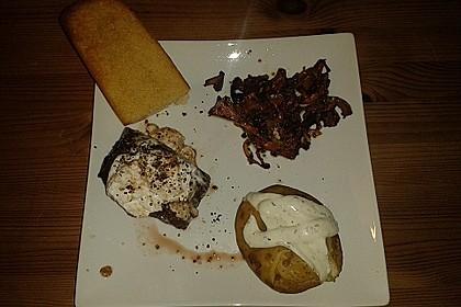 Filetsteak vom Rind mit Pfifferlingen