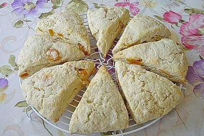 Scones mit Aprikosen und Frischkäse