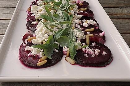 Rote Bete Salat mit Schafkäse & Balsamico - Dressing
