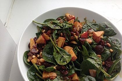 Apfel - Spinatsalat mit Pinienkernen und Sultaninen (Bild)