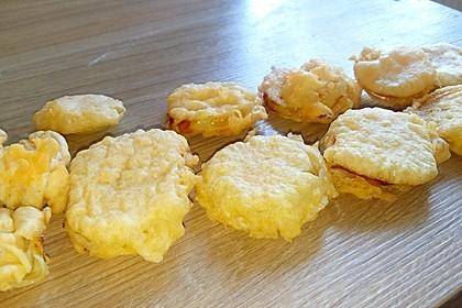 Frittierte Zwiebelringe im Teigmantel