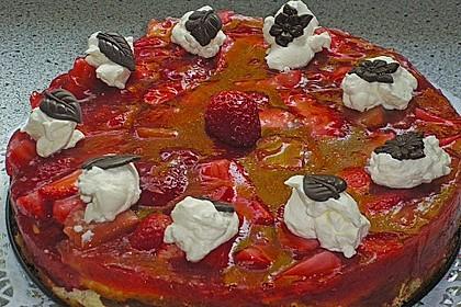 Altmühltaler Rhabarberkuchen mit Erdbeeren und Baiserhaube 8