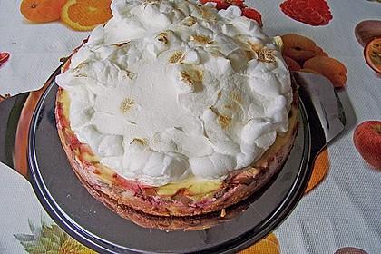 Altmühltaler Rhabarberkuchen mit Erdbeeren und Baiserhaube 4