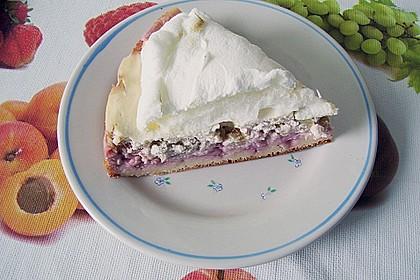 Altmühltaler Rhabarberkuchen mit Erdbeeren und Baiserhaube 10