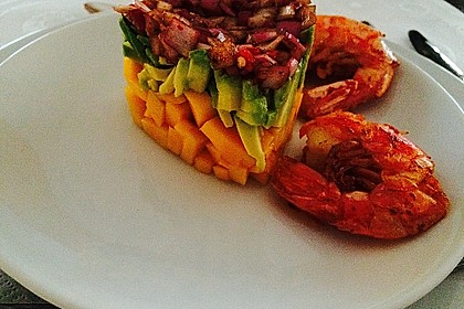 Jakobsmuscheln auf Avocado - Mango - Salat mit Zwiebelvinaigrette 12