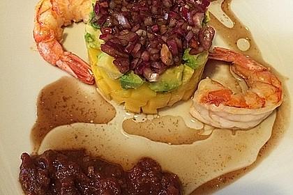 Jakobsmuscheln auf Avocado - Mango - Salat mit Zwiebelvinaigrette 11