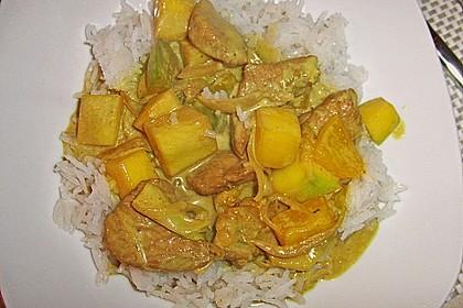 Putengeschnetzeltes auf Mango - Curry - Reis (Bild)