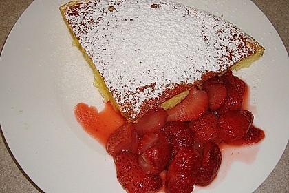 Ofen-Pancake mit warmen Erdbeeren 4