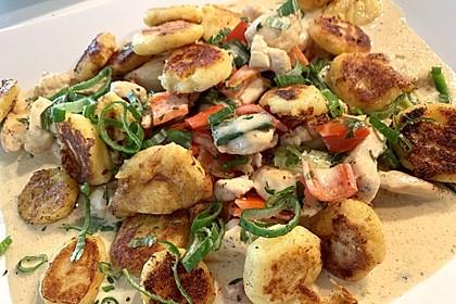 Gnocchipfanne mit Putenstreifen in Weißwein - Schmelzkäsesoße 9