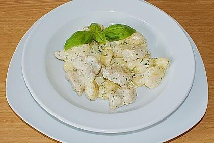 Gnocchipfanne mit Putenstreifen in Weißwein - Schmelzkäsesoße 4