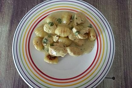 Gnocchipfanne mit Putenstreifen in Weißwein - Schmelzkäsesoße 7