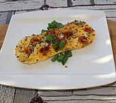 Omelette mit Käse, Tomaten und Basilikum (Bild)