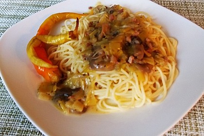 Nudeln mit cremiger Champignon - Lauch - Soße 9