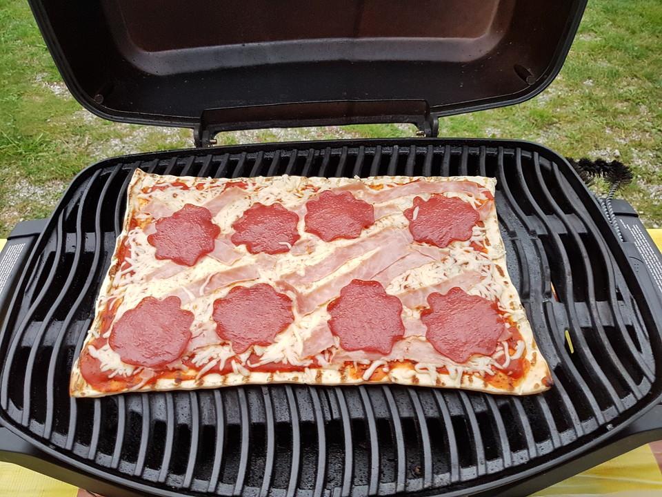 Weber Holzkohlegrill Pizza : Pizza vom grill von yvonneschnecke chefkoch