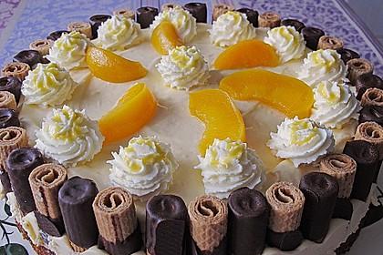 Pfirsich-Eierlikör Torte mit Knusperrand
